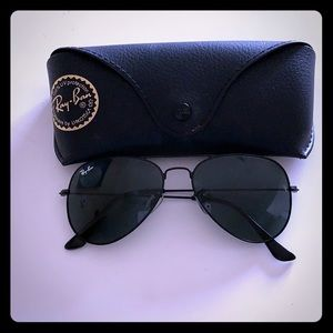 Brand new, black Ray Ban aviators with case